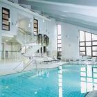 Erleben Sie die Wellness- und Saunalandschaft mit Schwimmbad, Tee- Lounge und Ruheraum.