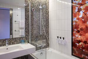 Standardzimmer Badezimmer