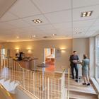 Unser neues Foyer bietet viel Raum für entspannte Kaffeepausen und hat einen direkten Zugang zu der Tagungsterrasse